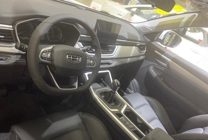 全新吉利远景X6即将上市!比哈弗M6大气 配液晶仪表盘+自动驻车