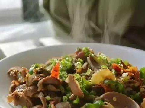 德州大厨教你做美食——剁辣椒炒鸡胗