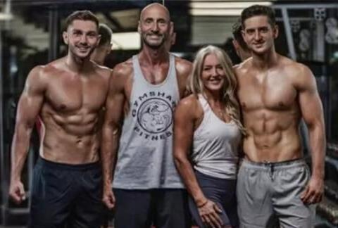 曼彻斯特一家四口组团健身,6个月后,让人羡慕的不仅仅是身材
