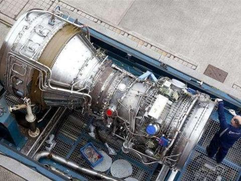 日本从英国引进8台航母发动机!究竟是想造护卫舰,还是想造航母