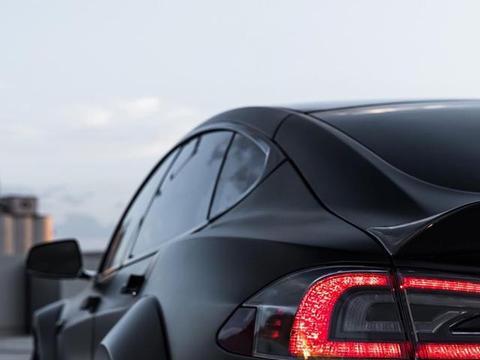 特斯拉Model S P100D,宽体改装