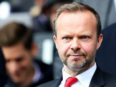伍德沃德抨击通过YouTube选择球员的谣言,表示他只在交易上签字