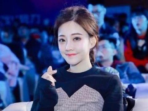 冯提莫宣布离开老东家斗鱼直播,遭到网友斥责不懂感恩