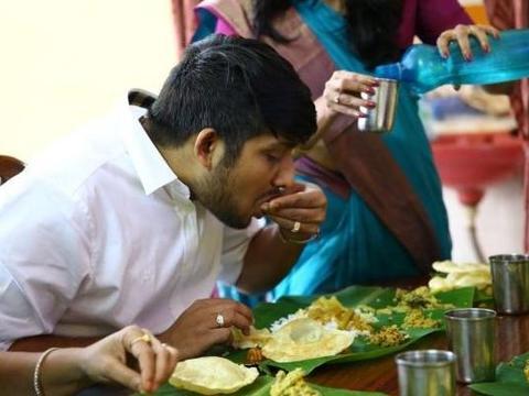 印度小伙首次中国行,饭店消费200,疑惑:为何没人注意我?