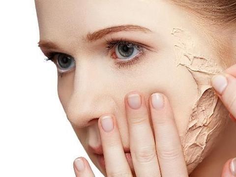 为何脸部会产生角质?用正确的角质保养方法打造光滑美肌!