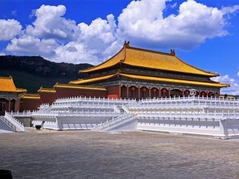 中国有个山寨版故宫,门票是北京故宫的3倍,游客却源源不断