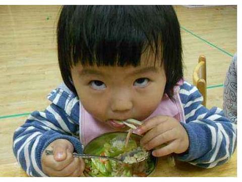 儿科医生告知:已经在黑名单的食物,别再喂了!小心出现性早熟