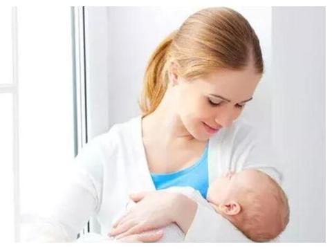 新生儿三个月内不能竖抱?注意这些姿势,让宝宝体会到竖抱的好处