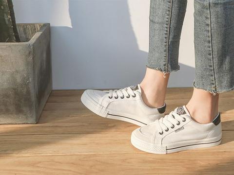 矮个子穿平底鞋,记住这3点显腿长