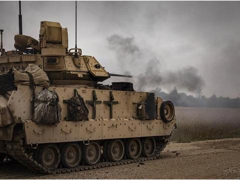 看到俄军普遍配30毫米机炮后 美军也默默搞大口径 未来战车就配它