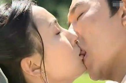 吻戏最尴尬的4个镜头,张钧甯整个嘴吸进去,杨幂鼻孔抢眼