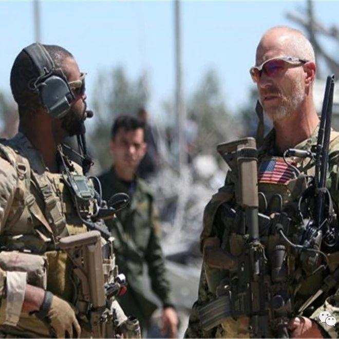 逃亡路上遭遇不速之客,半路杀出程咬金,直接拦住美军战车就开干