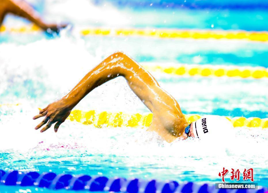 季新杰获军运会男子400米自由泳冠军季新杰获军运会男子400米自由泳冠军