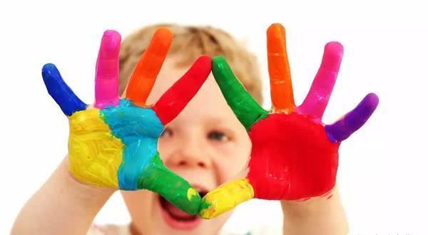 心理学:孩子从小喜欢这种颜色,孤单且缺乏安全感,家长要明白