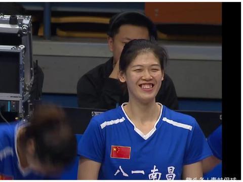 李盈莹更新动态表示收获两个八一女排新粉丝,和队友打成一片