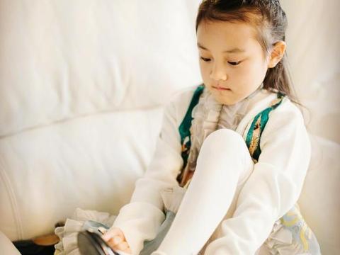 李小璐晒甜馨生日照,贾乃亮甜馨同框难寻,董璇带女儿高调庆祝