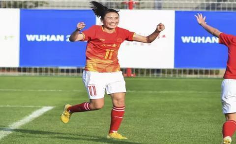 中国女足顺利晋级 现场气氛活跃,未来可期