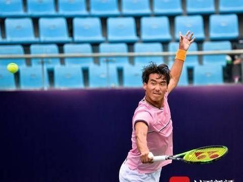 因伤无奈退赛 中国选手布云朝克特惜别成都