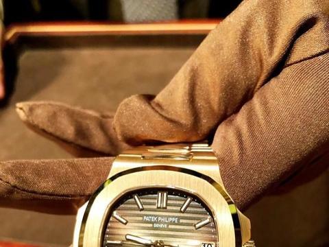 世界上第一只手表就是这个牌子它叫百达翡丽