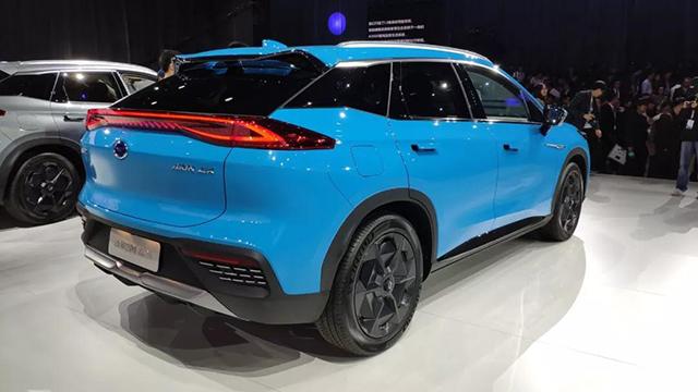 预算25万元,豪华智能超跑SUV,超值吗?