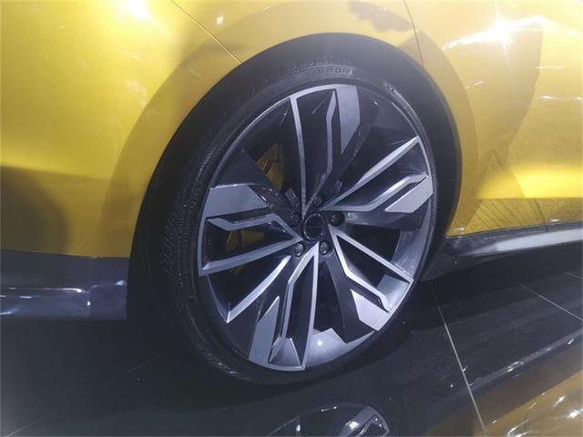 汉腾RED 01概念车 个性化的高颜值!国产车的骄傲?