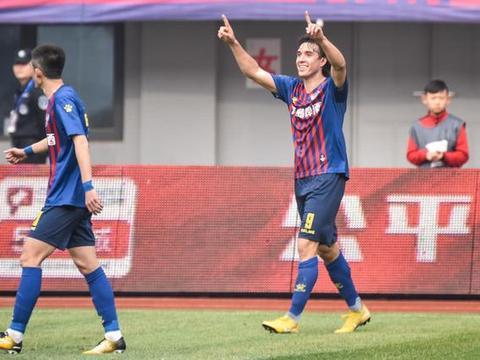 青岛黄海战胜上海申鑫提前一轮冲超成功,齐鲁德比将再现中超赛场