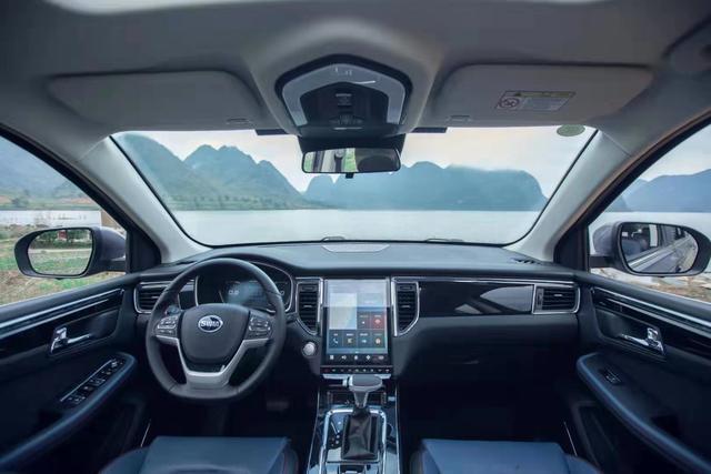 90后福音,6万多的中型SUV,车长4米75,还是1.5T+6AT