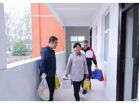 郑州31·103中赴周口郸城县南丰镇一中慰问支教学校看望支教教师