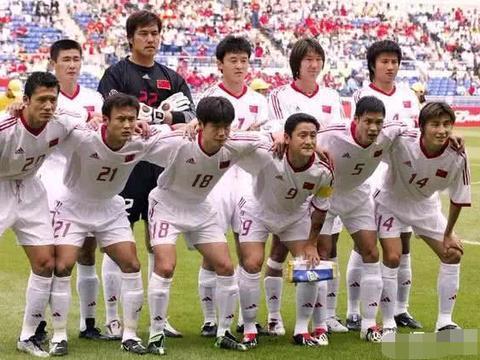 目前中国足球界三位少壮派将帅李宵鹏、李铁和孙继海你更力挺谁