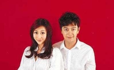 明星结婚证件照:陈小春最搞笑,黄晓明花样最多,最后一位最心酸