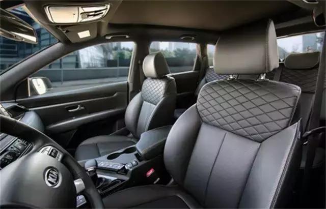 起亚KX7不足15万,7座SUV,满足国六排放标准