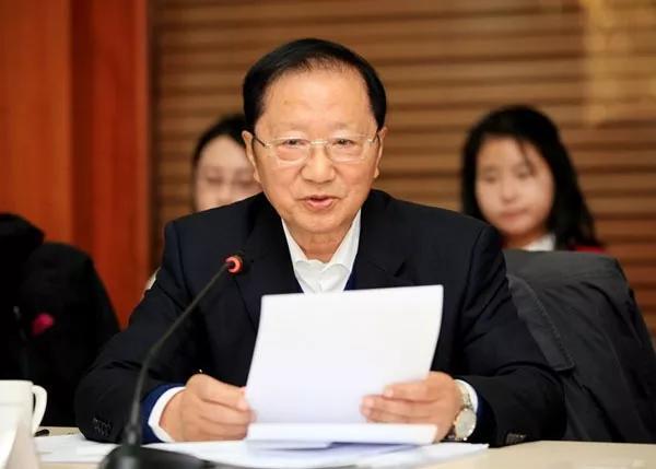 陈清泰:对电动汽车造福社会的七个建议