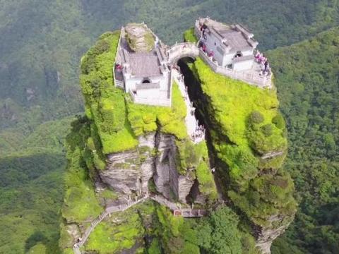 贵州名山梵净山,中国五大佛殿,奇峰绝顶世界最高寺庙海拔2千米