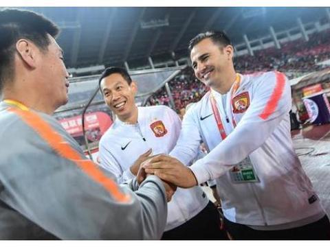 北京国安签下卡纳瓦罗,不仅金玟哉高兴,还对引入刘奕鸣等人有利