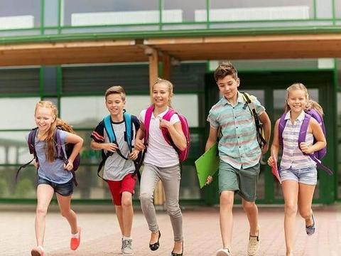 在初二时,学生应该如何做好复习,才能在初三考出好成绩呢?