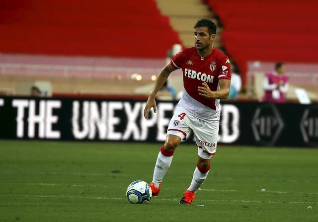 队报:法布雷加斯在法联杯比赛中受伤