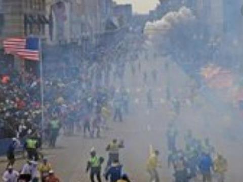 局面失控!美国市区突发连环爆炸,大批美军紧急支援