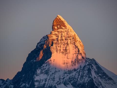 马特洪峰:瑞士最完美山峰的冒险