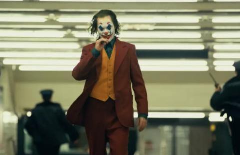 """""""劳模姐""""看完《小丑》后,给予了杰昆·菲尼克斯高度的赞扬!"""