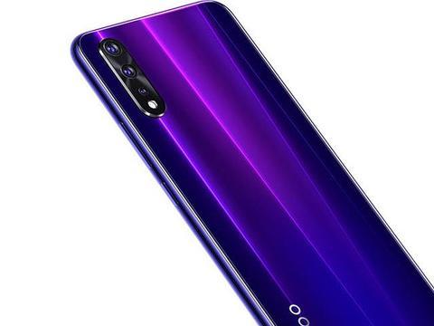 如何选手机:黑莓Q30、iQOO Neo详细配置参数、最新报价对比
