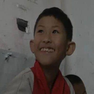他的眼里有星星!在贵阳这个农民工子弟学校,腼腆的男孩终于大胆说出心中梦想