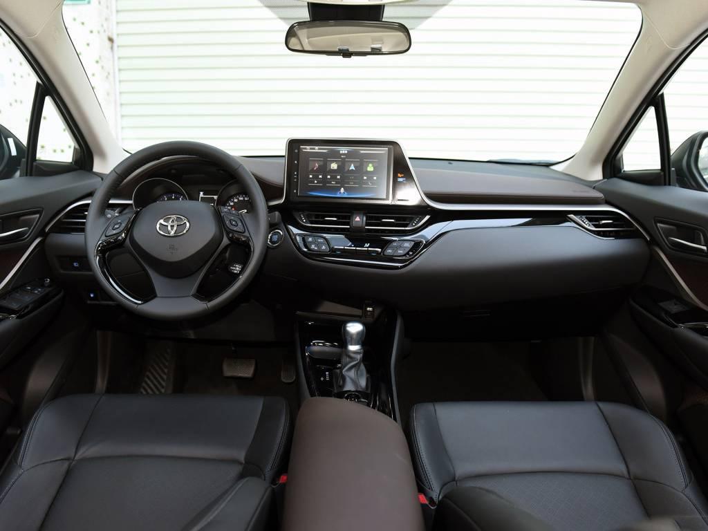 年轻个性的合资SUV,2020款C-HR和探歌简单比较