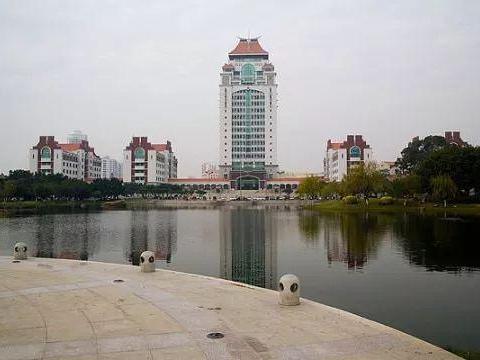 中国最美大学,同时又是优秀大学!考生说考上哪个都行