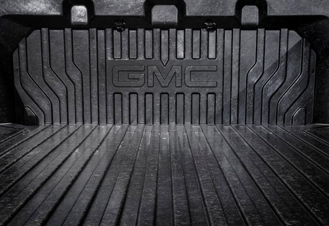 全新GMC SIERRA Denali皮卡进博会首发亮相
