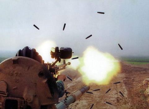 人挡人死,佛挡佛灭,高射机枪恐怖的杀伤力