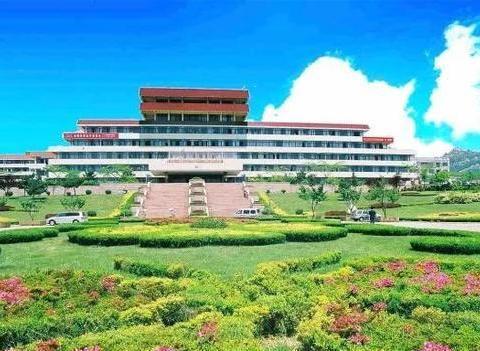 山东有望升211的大学,是国家特色重点学科项目建设高校,在青岛