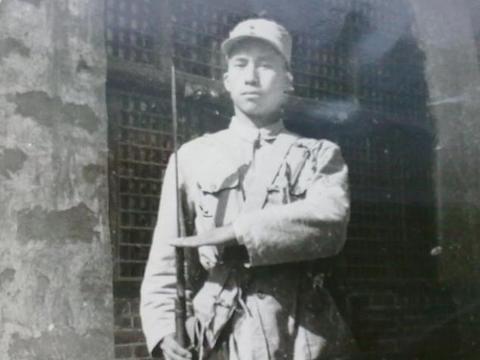 """他曾是罗荣桓元帅的警卫员, 差点""""杀掉""""两位中将, 叛变不知所踪"""