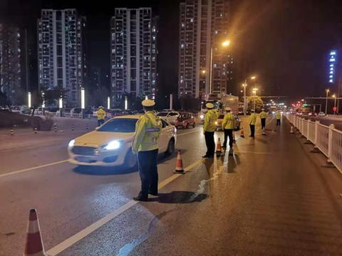 胶州交警持续开展机动车酒后驾驶交通违法行为整治行动