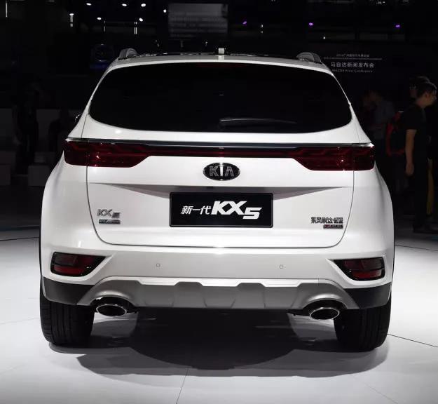 看了本田CRV、马自达CX5,最后花17万提起亚KX5,差距明显
