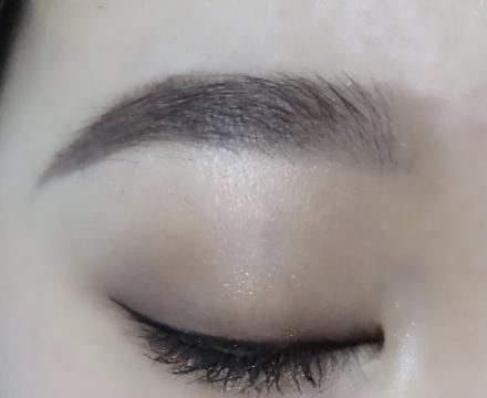 眼睛有星河!单眼皮内双肿眼泡,如何画出适合自己的眼妆?